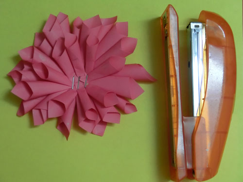 цветок георгина своими руками из цветной бумаги